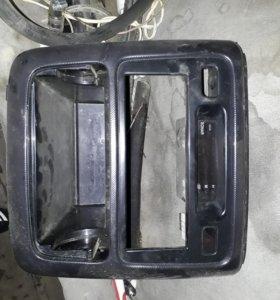 Продаю переднюю панель на ипсум 10-15 кузов