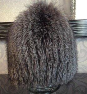 Продам шапку из черно-бурой лисы