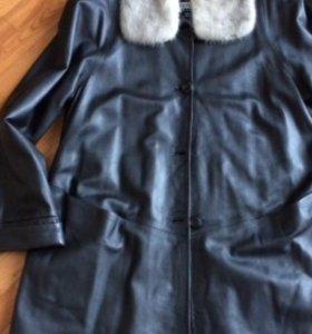 Кожаное пальто (новое)