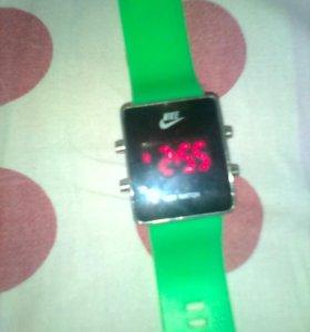 Электронные часы LED WATCH