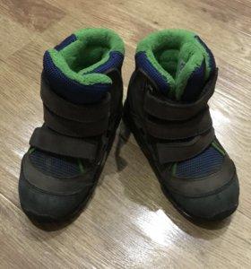 Сапожки зимние Adidas, размер 24