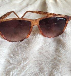 Очки простые и солнцезащитные