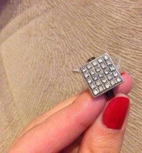 Серебряное кольцо 17р 925