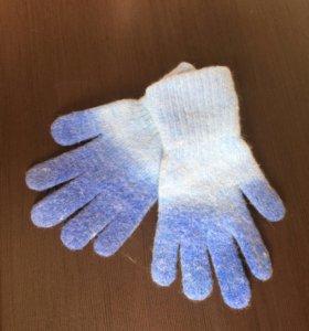 Перчатки ,варежки.