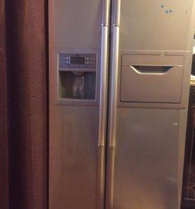 Двустворчатый холодильник Дэу