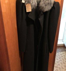 Пальто драповое с воротником из песца