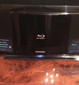 Домашний кинотеатр блю-рей Samsung HT-BD8200