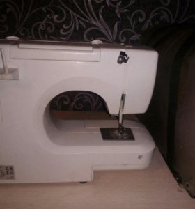 Швейная машинка и оверлог