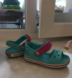 Сандалии Crocs c6 для девочки, б/у