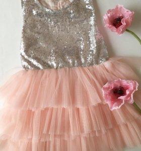 Платье новое 5-6 лет