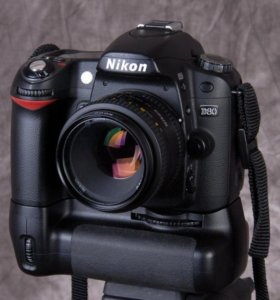 Nikon D80 body + бат. блок и 2 акб