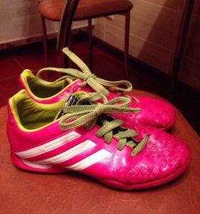 Бутсы футбольные Adidas 35 размер