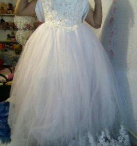Свадебное платье ( фота и перчатки)