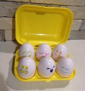 Забавные пищащие цыплята в яичках