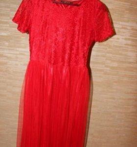 Платье красное с шифоновой юбкой
