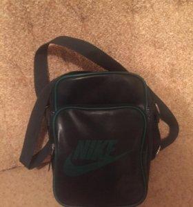 Мужская сумка Nike.