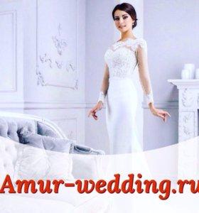 Много свадебных платьев