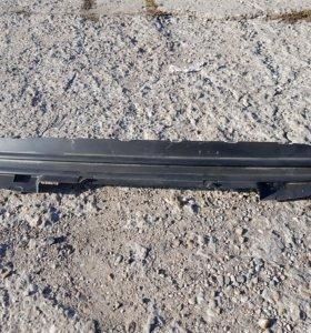 Заглушка на радиаторную решетку Peugeot 308 I