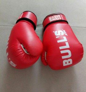 """Боксерские перчатки """"Bullis"""""""