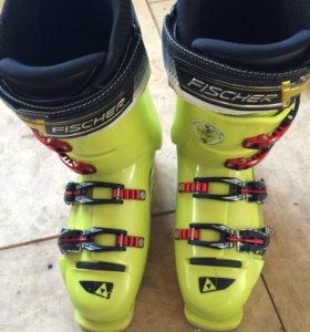 Горнолыжные ботинки Fischer RC4 Vacuum