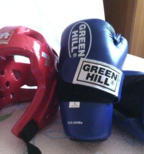 Продаю шлем и перчатки для тхэквондо