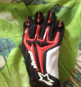 Перчатки для занятий мотоспортом