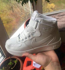 Кроссовки женские Nike