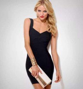 Безупречное маленькое чёрное платье