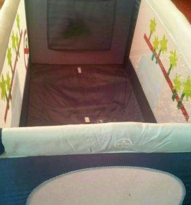 Детский манеж-кровать.
