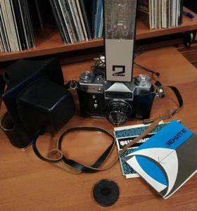 Новый фотоаппарат Зенит-Е с фотовспышкой СЭФ-2