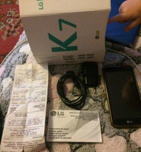 LG k7. Смартфон