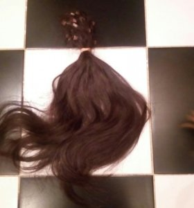 Продам живые волосы коричневого цвета.131 прядь.46