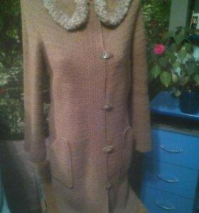 Новое пальто ручной вязки