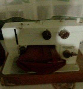 Швейная машина!Чайка