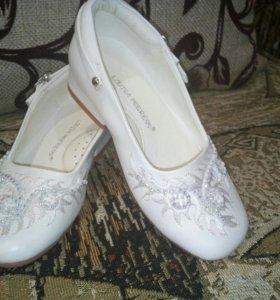 Туфли праздничные новые