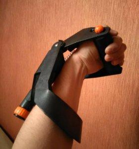 Тренажер для предплечий Torneo Arm Wrestler
