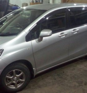 Продам HONDA FREED SPIKE 2010