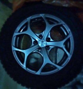 Шины зимние Dunlop на литых дисках на R 17
