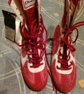 Боксерские кроссовки разноразмерки новые