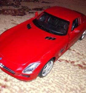 Машинка Mercedes-Benz SLS с рулём управления