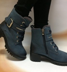 Синие ботинки зима