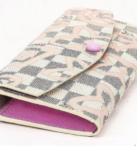Красивый Луи Виттон - кошелечек.