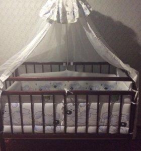 Кроватка + комплект для кроватки