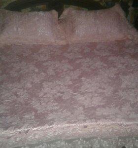 Покрывало и наволочки на кровать Блюмарин.