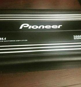 Усилитель Pioneer . Новый, провода для саба