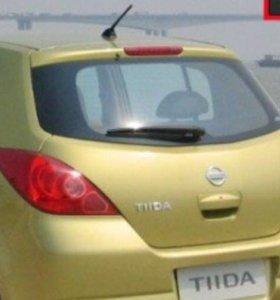 Заднее стекло Nissan Tiida