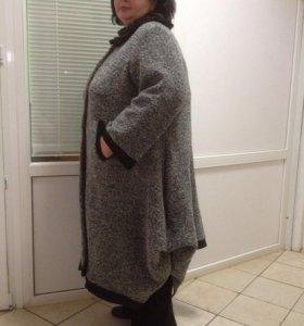 Пальто осень,р-р 66-70