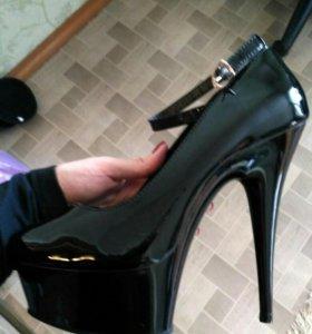 Стрипы / обувь для танцев /туфли