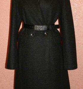 Шерстяное пальто, Испания