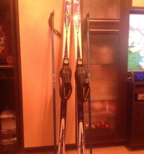 Пластиковые лыжи и палки